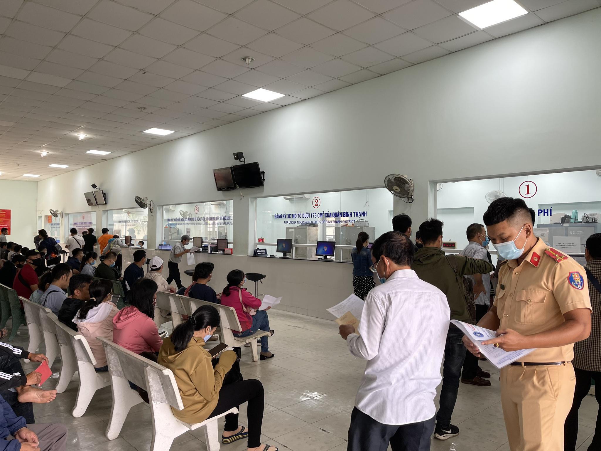 Từ 22.6, CSGT TP.HCM tạm dừng đăng ký mới tất cả xe máy